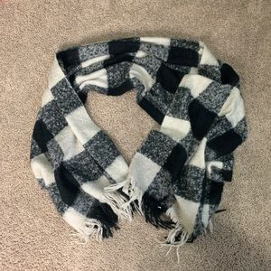 Black and white plaid winter scarf